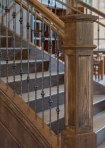 Лестницы в интерьерах ресторанов, офисов, отелей